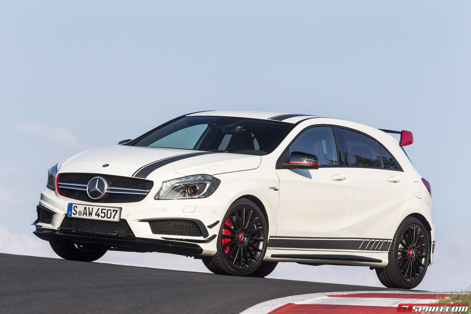 A45 amg tested autos weblog for Mercedes benz a45 amg