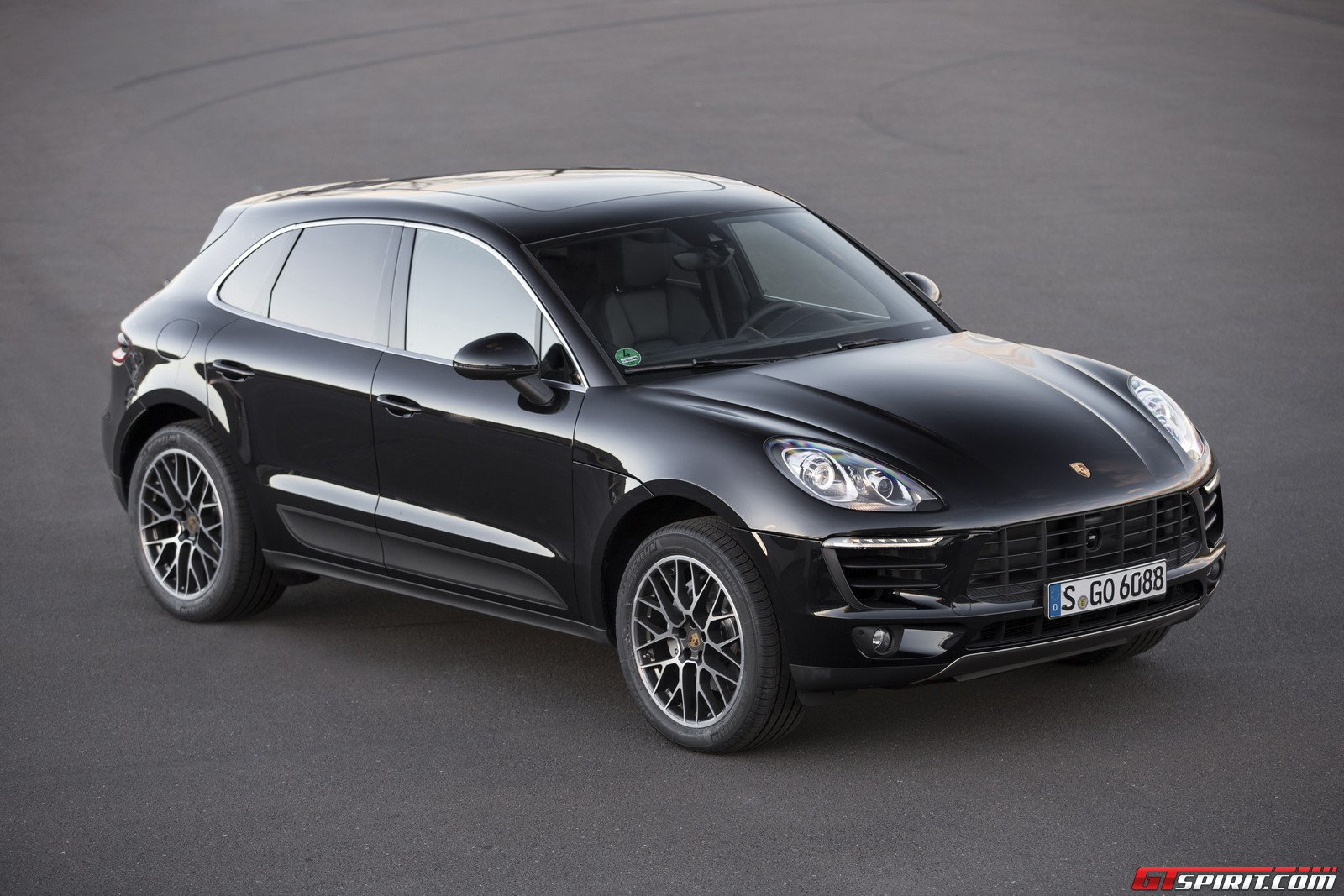 gtspirit 2015 porsche macan s 0025. Black Bedroom Furniture Sets. Home Design Ideas