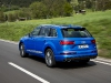 2016-audi-q7-review-daytona-blue-white-002
