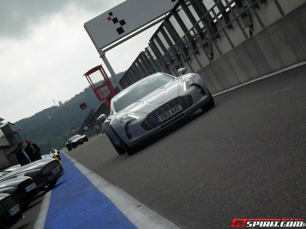 aston-martin-trackday-2012-at-spa-francorchamps-039