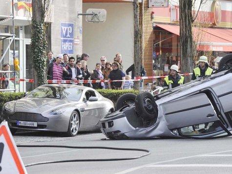 Car Crash Aston Martin V8 Vantage Wrecked In Munich Gtspirit
