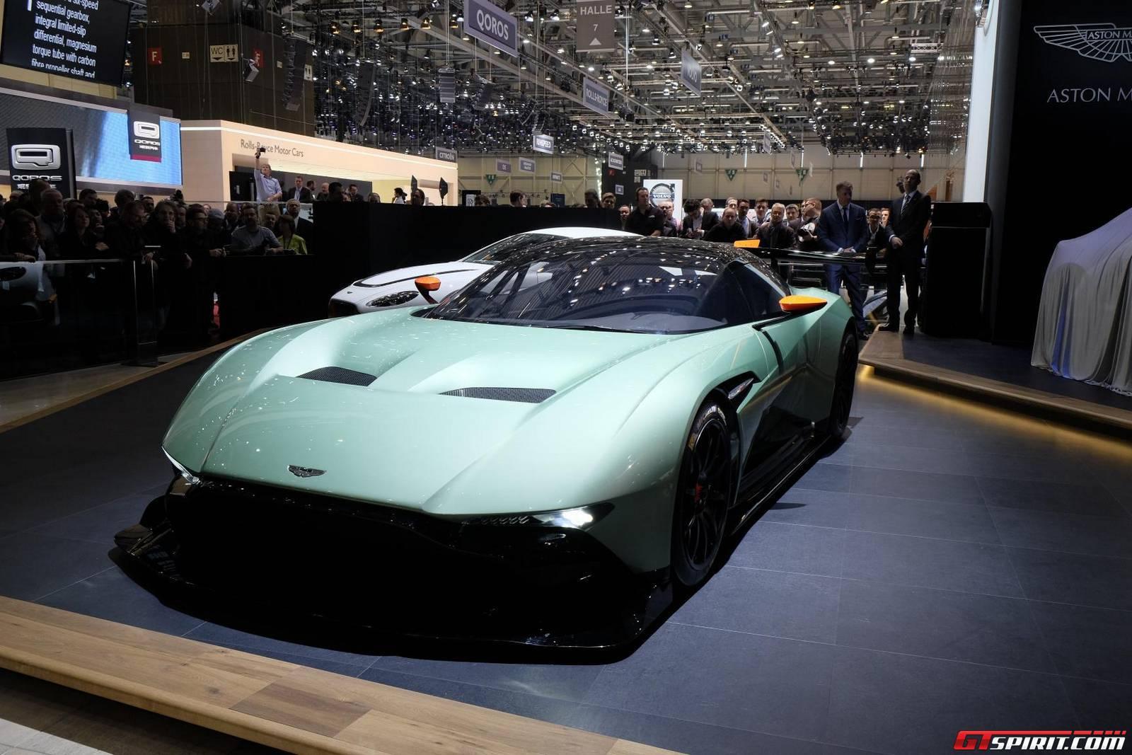 Video Aston Martin Vulcan Shows Off Onboard Air Jacks Gtspirit