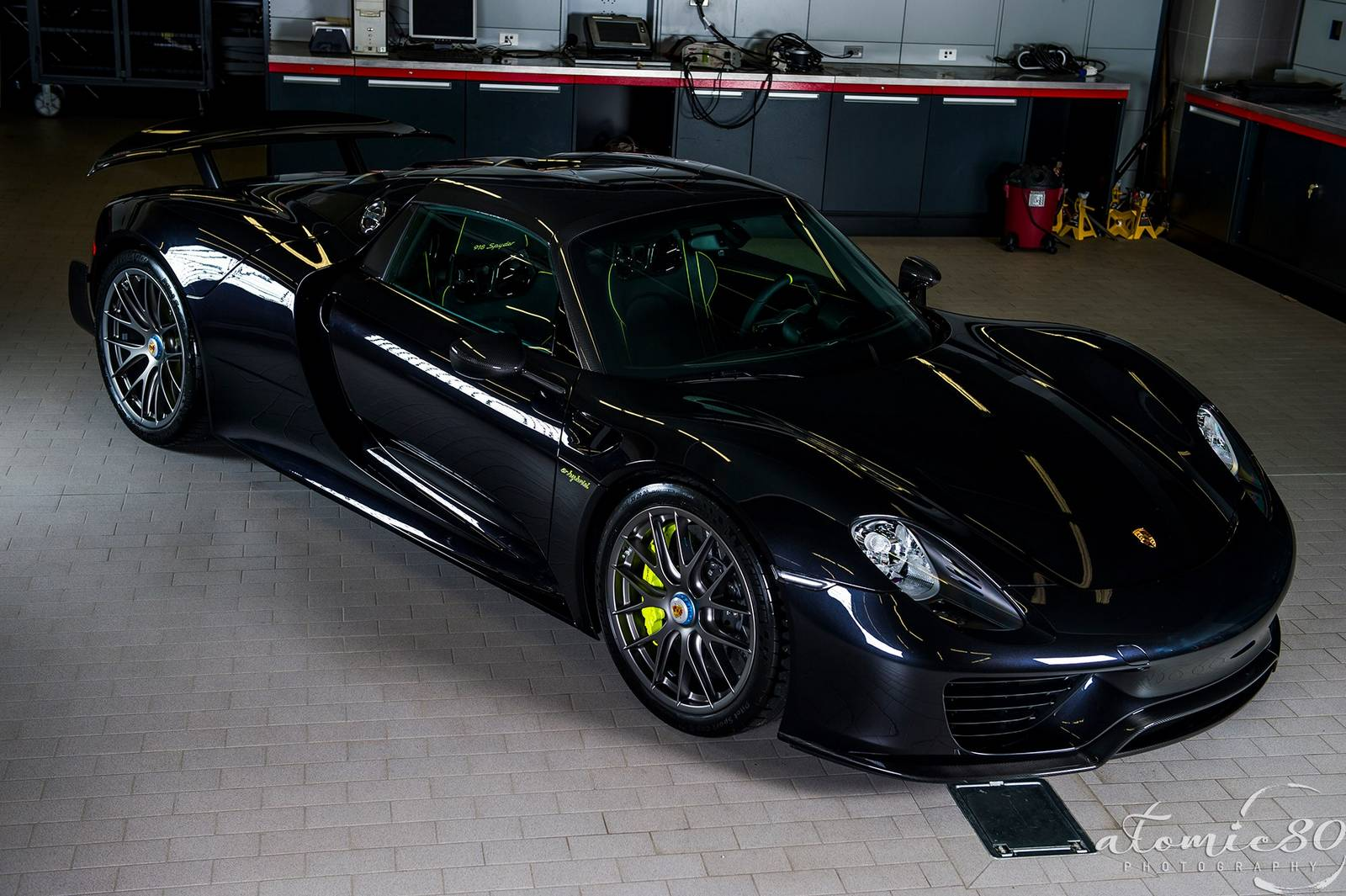 gallery black porsche 918 spyder weissach edition photoshoot. Black Bedroom Furniture Sets. Home Design Ideas