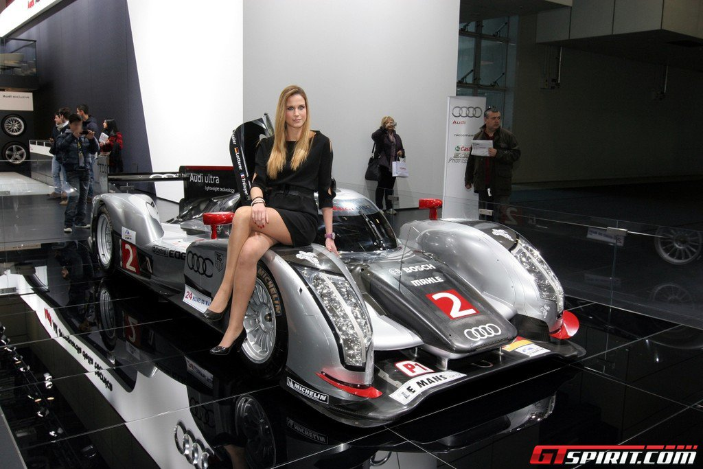 Bologna Motor Show 2011 Girls Part 1