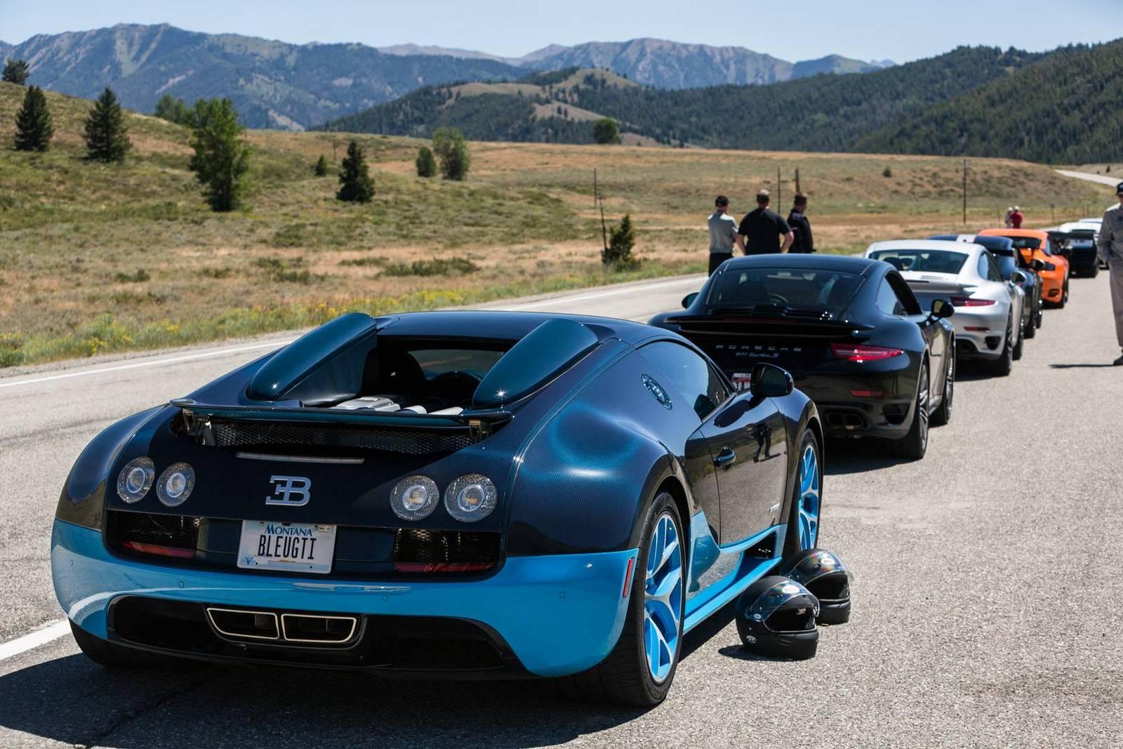 Фото | Синий Bugatti Veyron. 2014 год