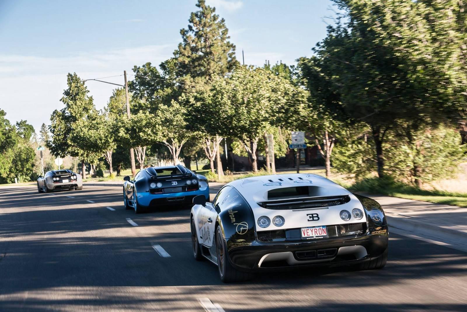 Фото | Три Bugatti Veyron на дороге. 2014 год