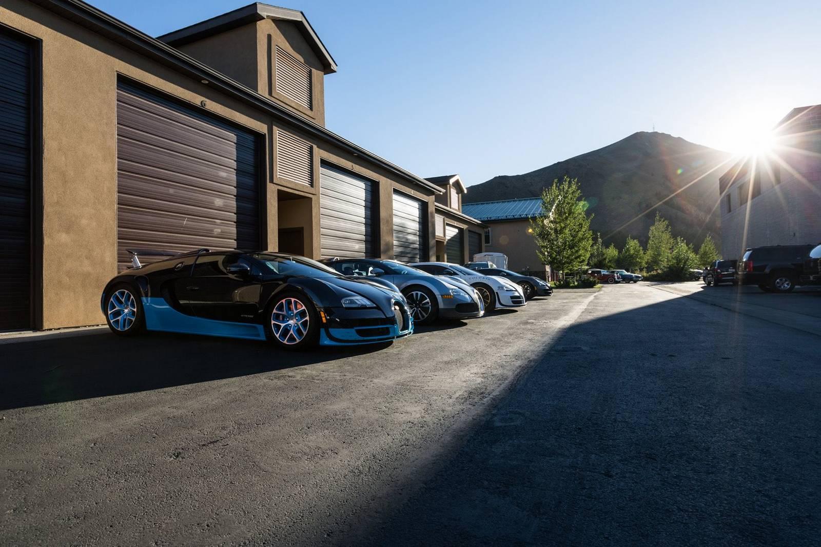 Фото | Суперкары Bugatti Veyron на слете. 2014 год