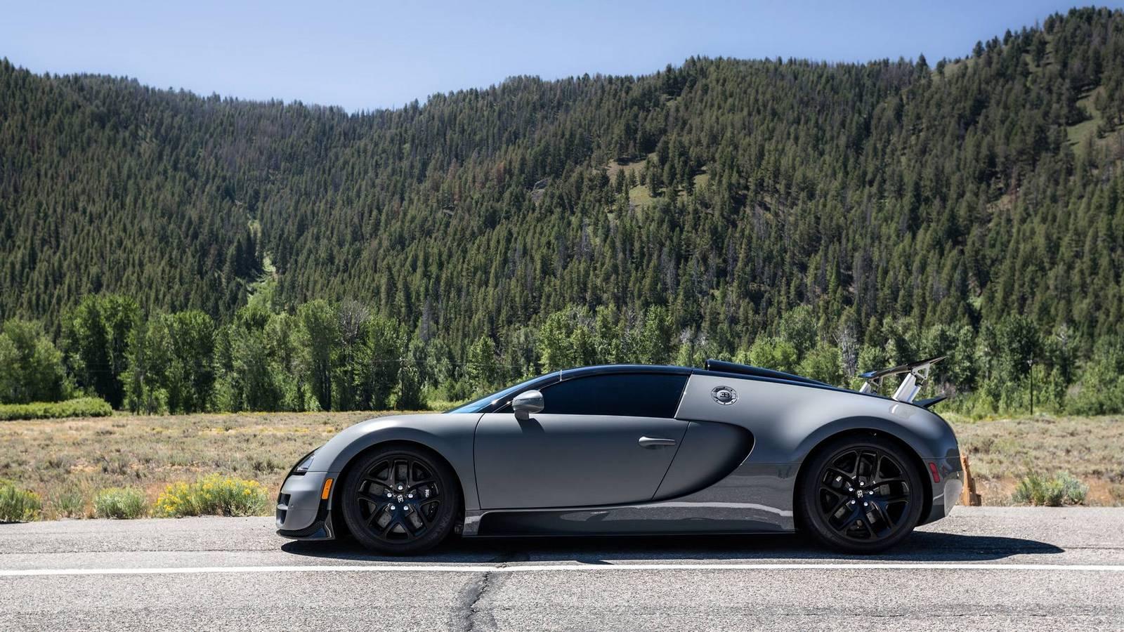 Фото | Графитовый Bugatti Veyron