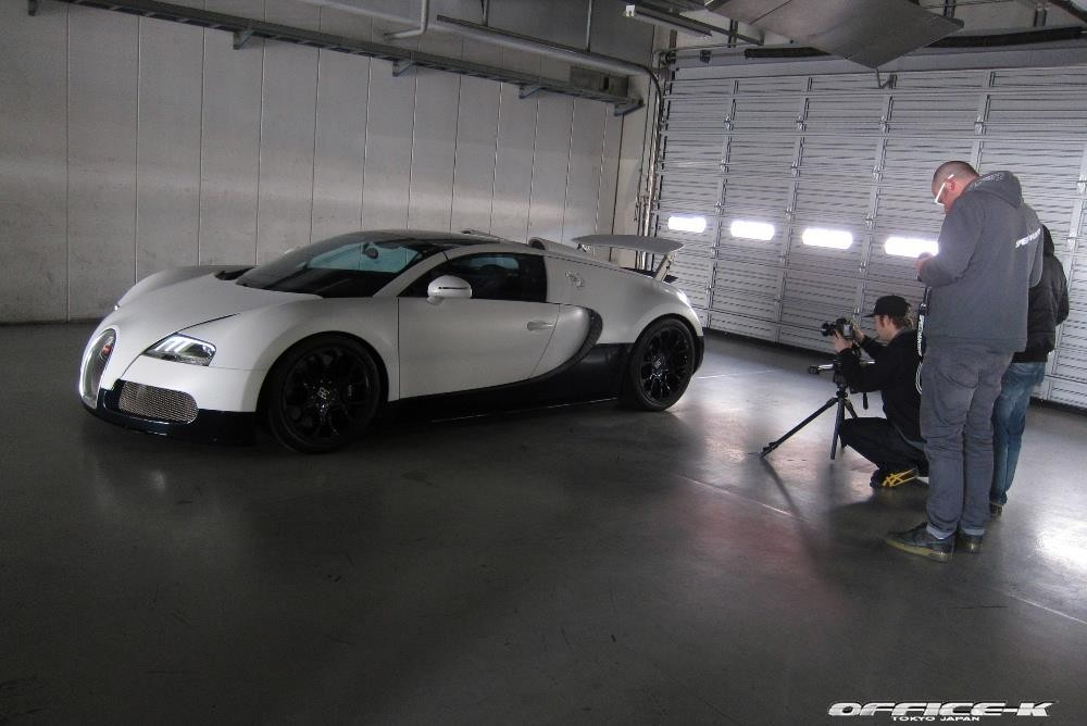 gallery bugatti veyron and maserati mc12 corsa at fuji speedway part 1. Black Bedroom Furniture Sets. Home Design Ideas