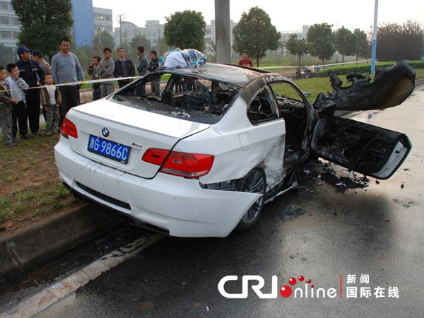 Car Crash: Porsche Turbo & BMW M3 after Streetrace in China
