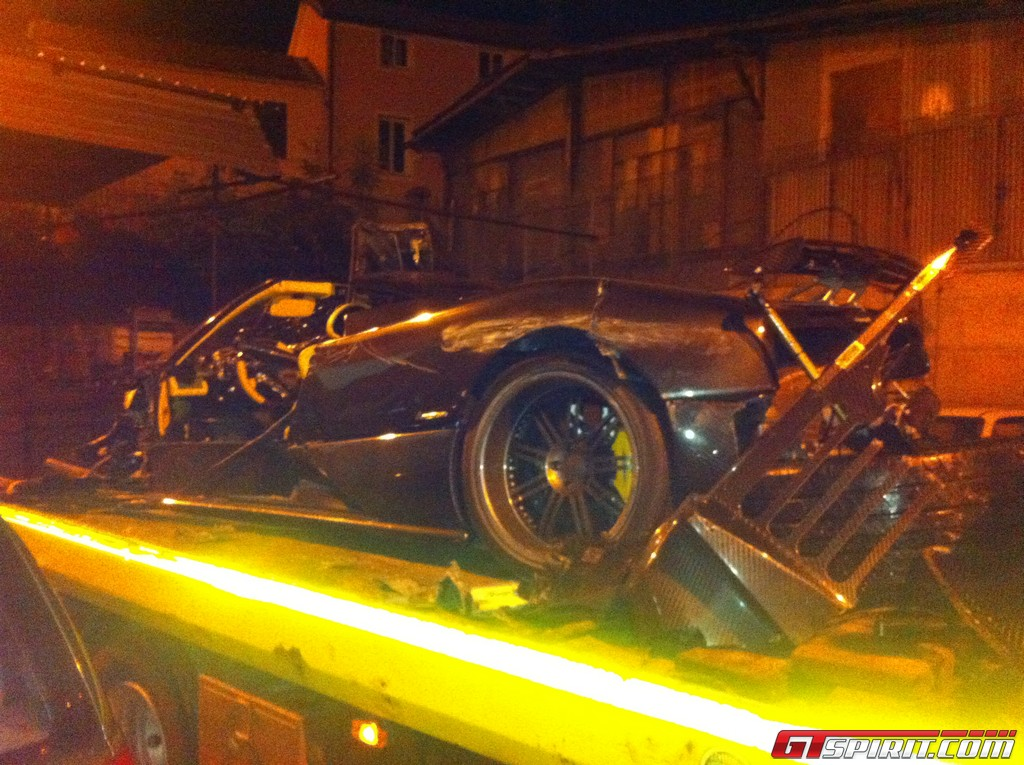 Car Crash Pagani Zonda F Clubsport Roadster