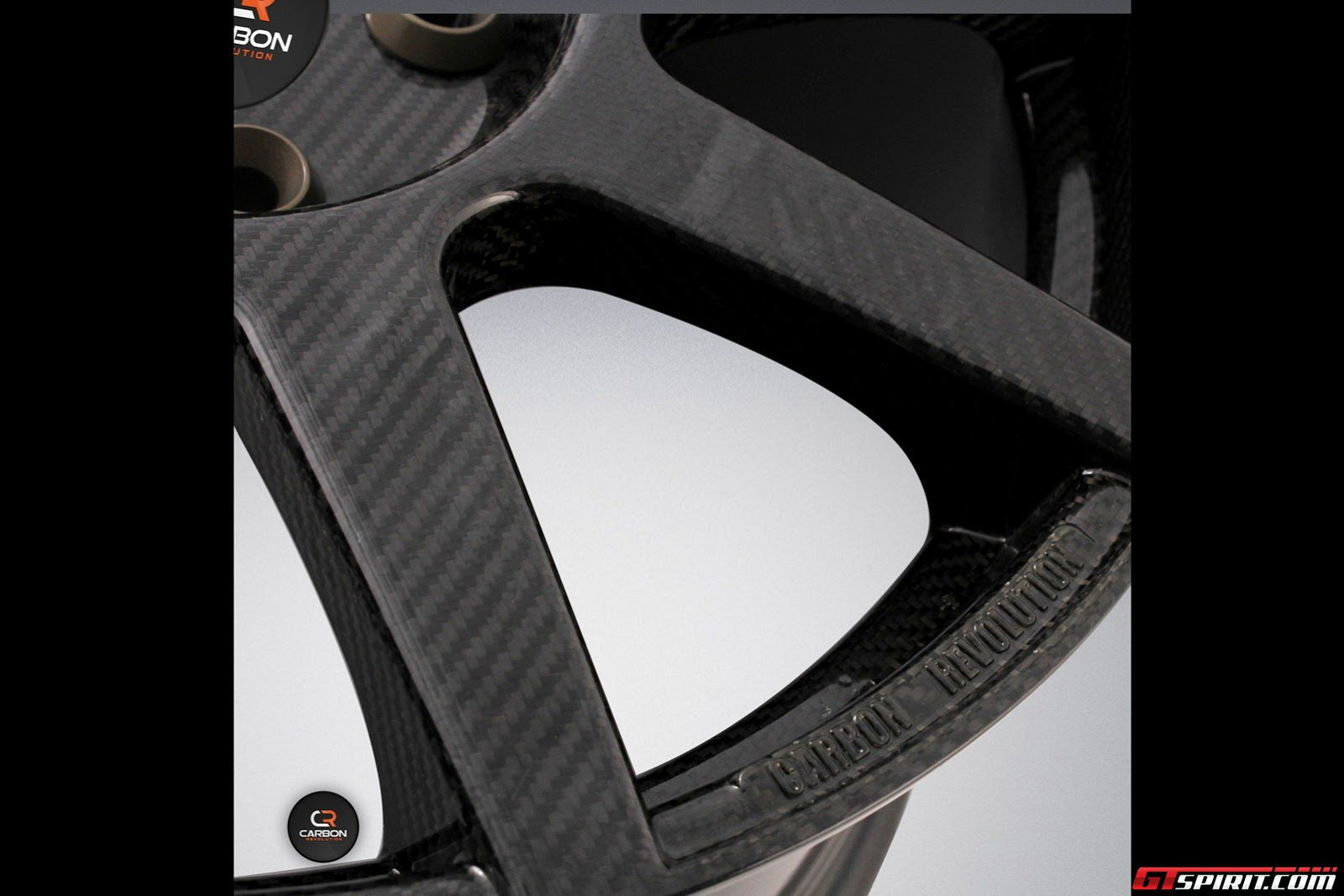 Carbon Revolution CR9 - First One-piece Carbon Fiber Rim Photo 7