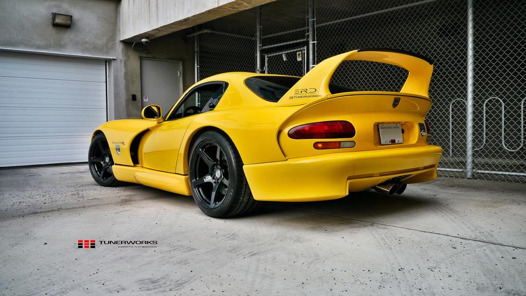 Dodge Viper Venom 650R on HRE Wheels  6 photos  GTspirit