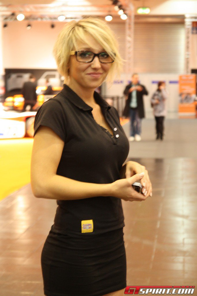 Essen Motor Show 2011 Girls Part 2
