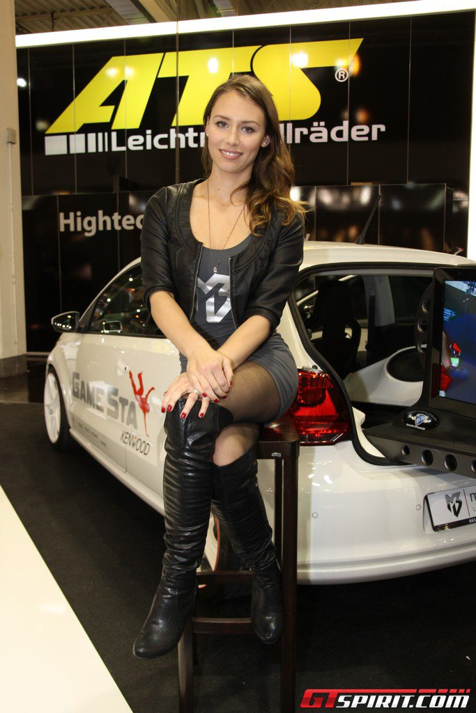 Essen Motor Show 2011 Girls Part 2