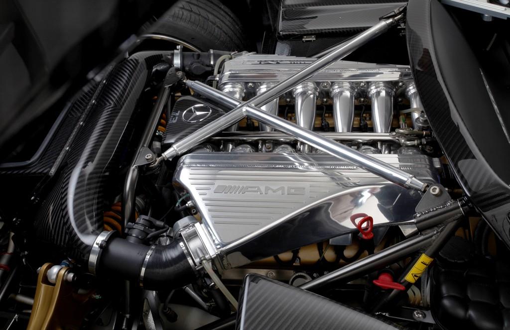 Фото. Метки. имеет 7.3 литровый AMG двигатель мощностью 650 л.с. и