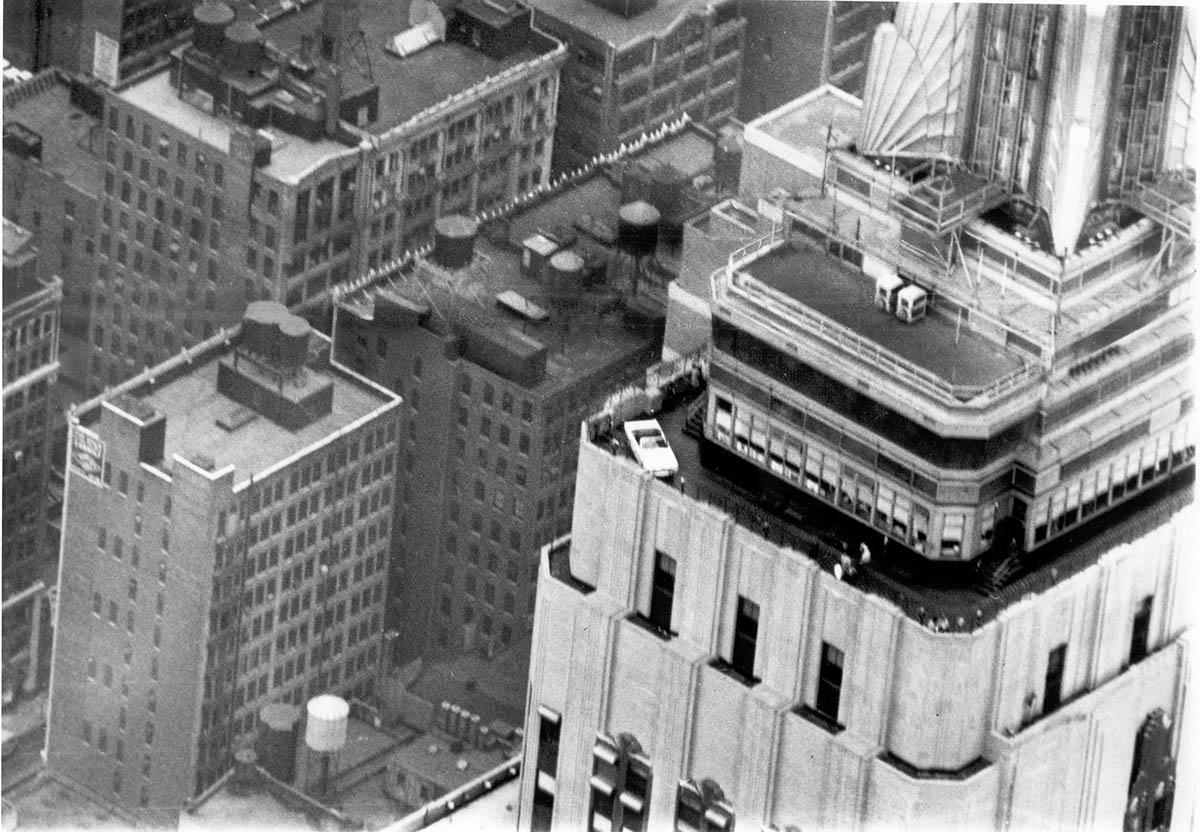 Mustang del 1965 en el Empire State Building (fuente: www.gtspirit.com)