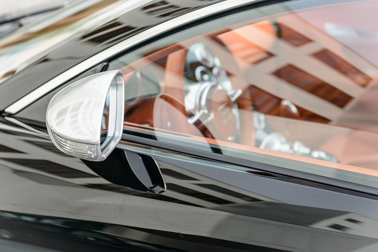 Фото Bugatti Veyron Sang Noir