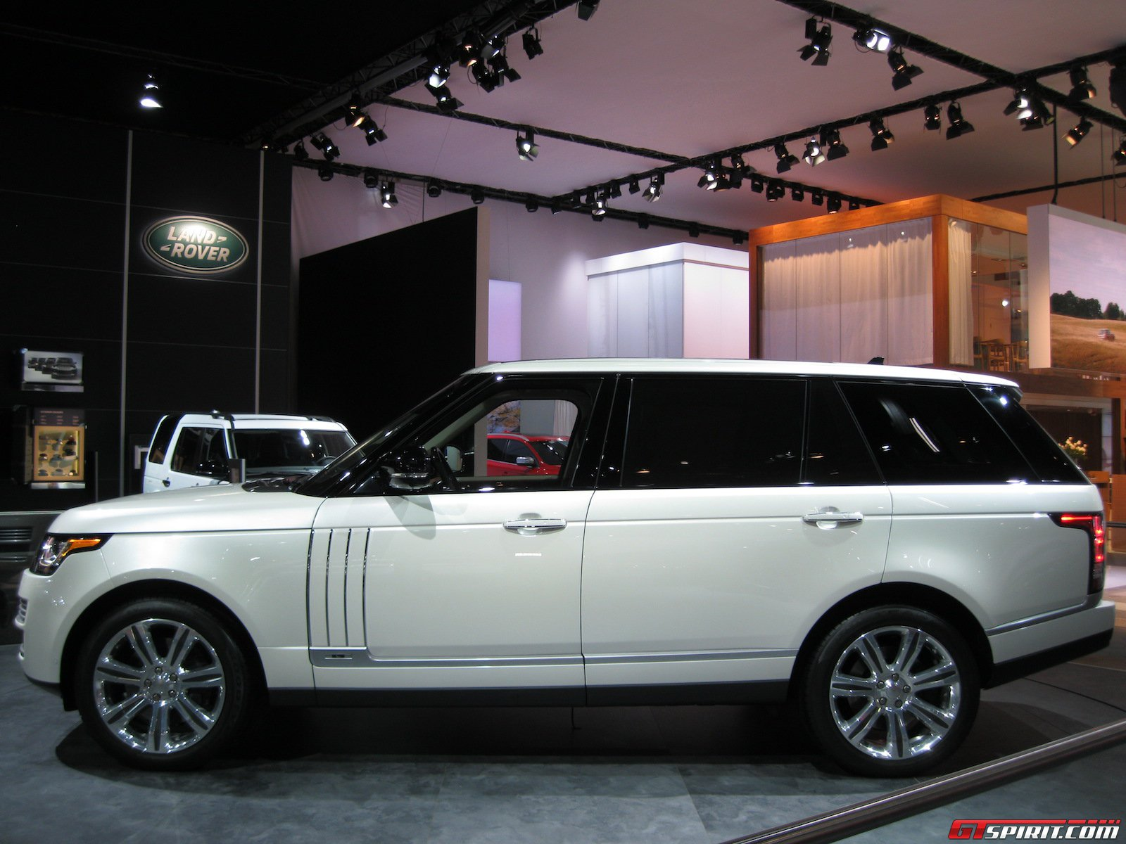 detroit 2014 range rover long wheelbase. Black Bedroom Furniture Sets. Home Design Ideas