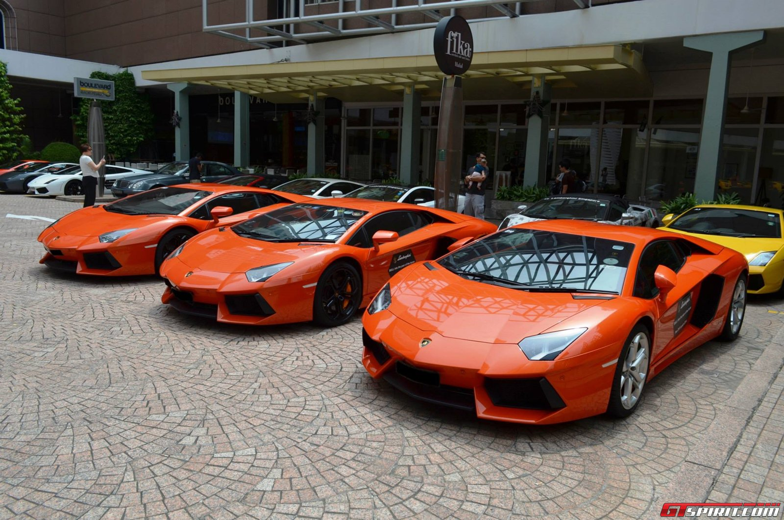 gallery lamborghini club singapore cny meeting. Black Bedroom Furniture Sets. Home Design Ideas