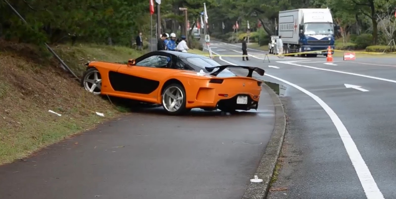 Fast And Furious Mazda Rx 7 Veilside Fd3s Crashes Into