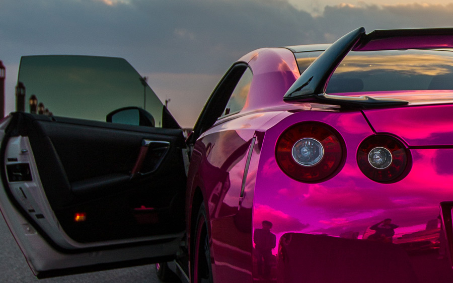 http://www.gtspirit.com/wp-content/gallery/gallery-pink-wrapped-nissan-gt-r-and-maserati-quattroporte/gtr-41.jpg
