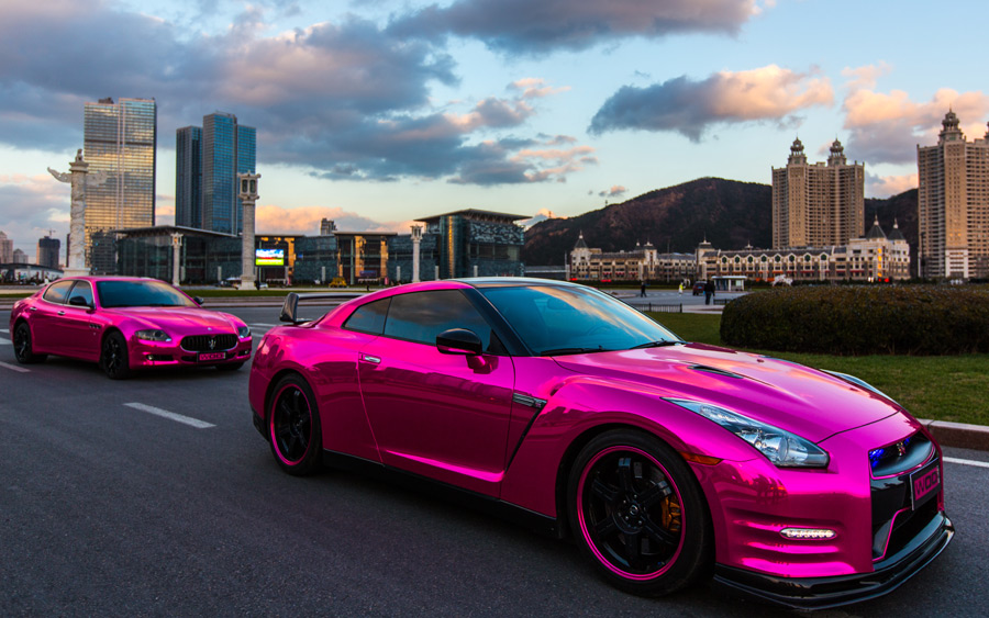 http://www.gtspirit.com/wp-content/gallery/gallery-pink-wrapped-nissan-gt-r-and-maserati-quattroporte/gtr-71.jpg