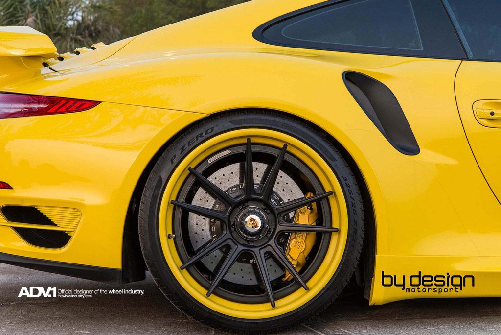 Чёрно-жёлтые колёсные диски ADV5.2 TS SL