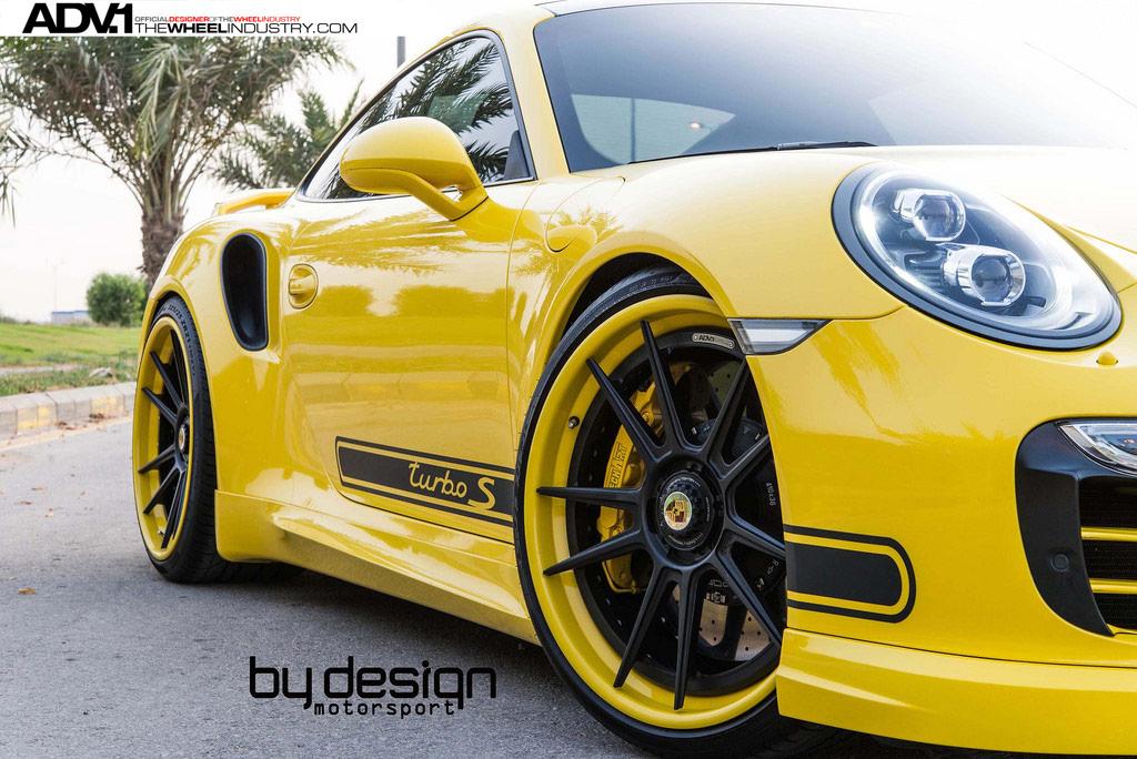 Эффектный Porsche 911 Turbo S