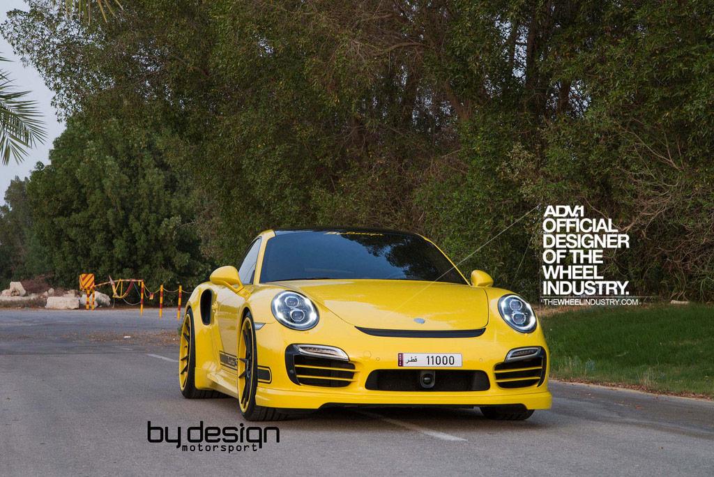Крутой Porsche 911 Turbo S