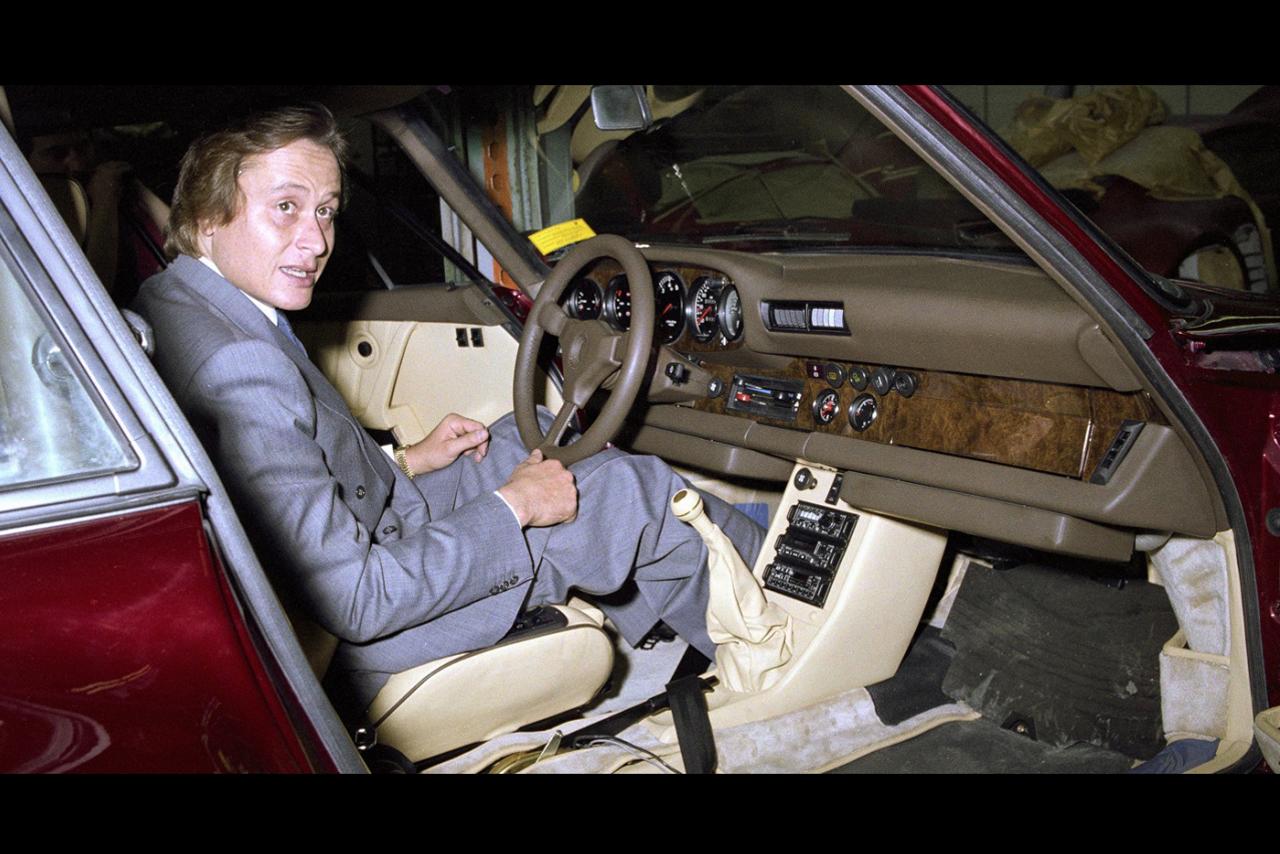 Глава Tag Heuer в салоне Porsche 935
