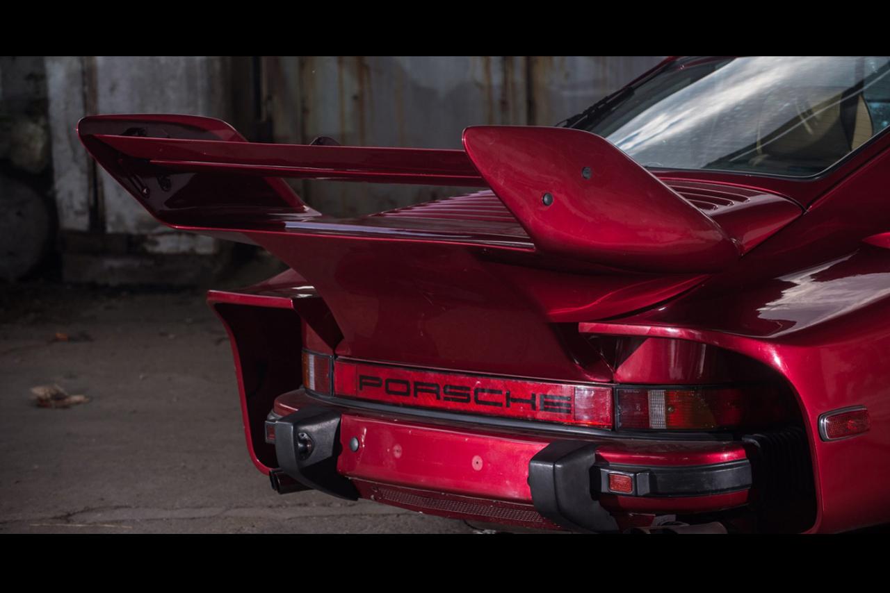 Спойлер на крышке моторного отсека Porsche 935