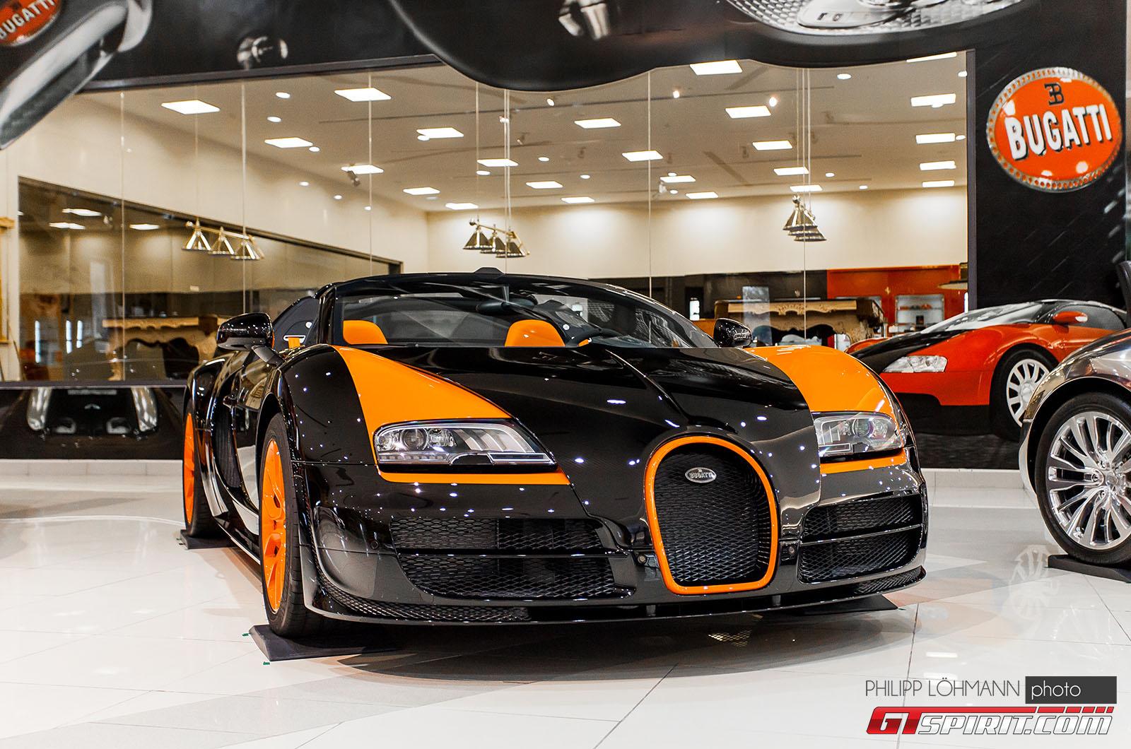 Гараж мечты в Абу-Даби. Bugatti Veyron