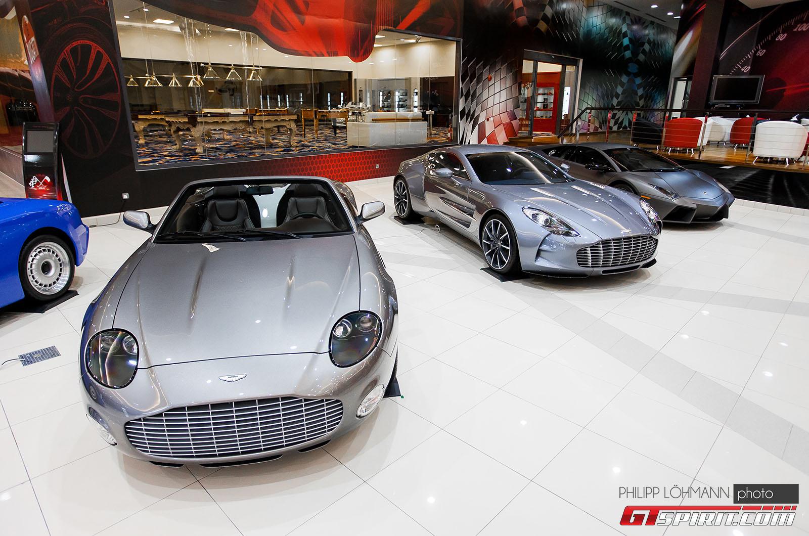Гараж мечты в Абу-Даби. Aston Martin DB7