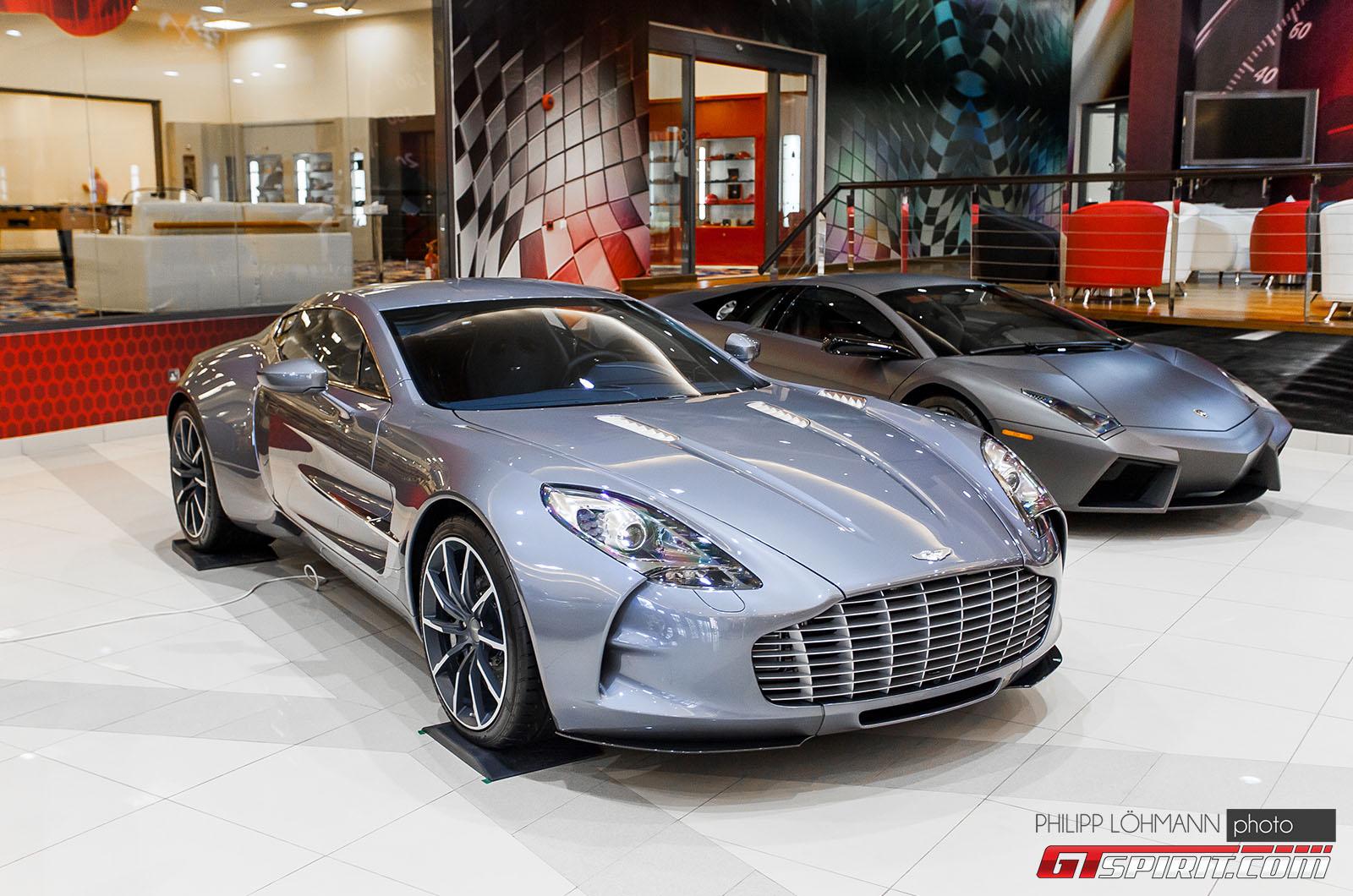 Гараж мечты в Абу-Даби. Aston Martin One-77