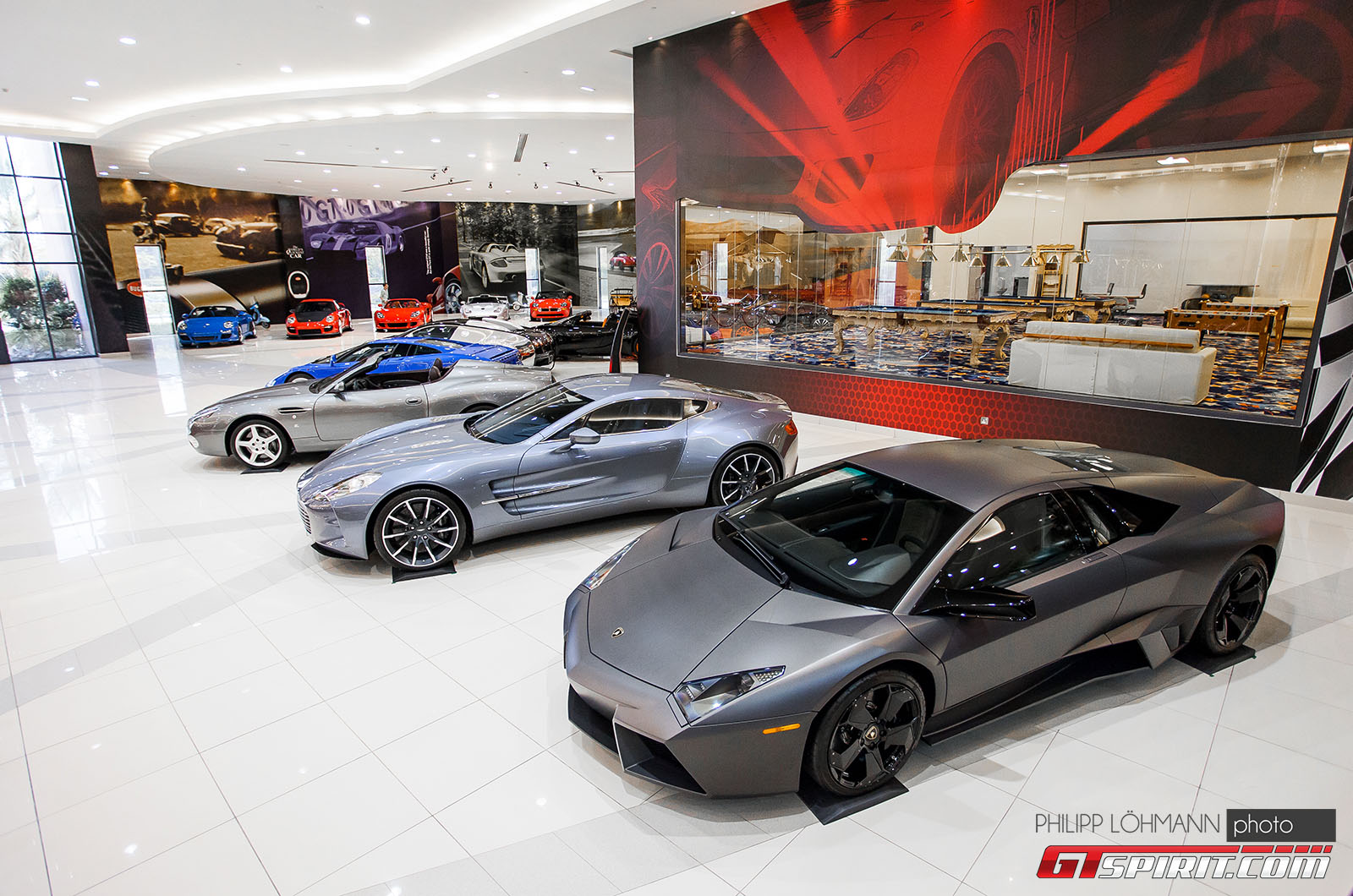 Гараж мечты в Абу-Даби. Lamborghini Reventon