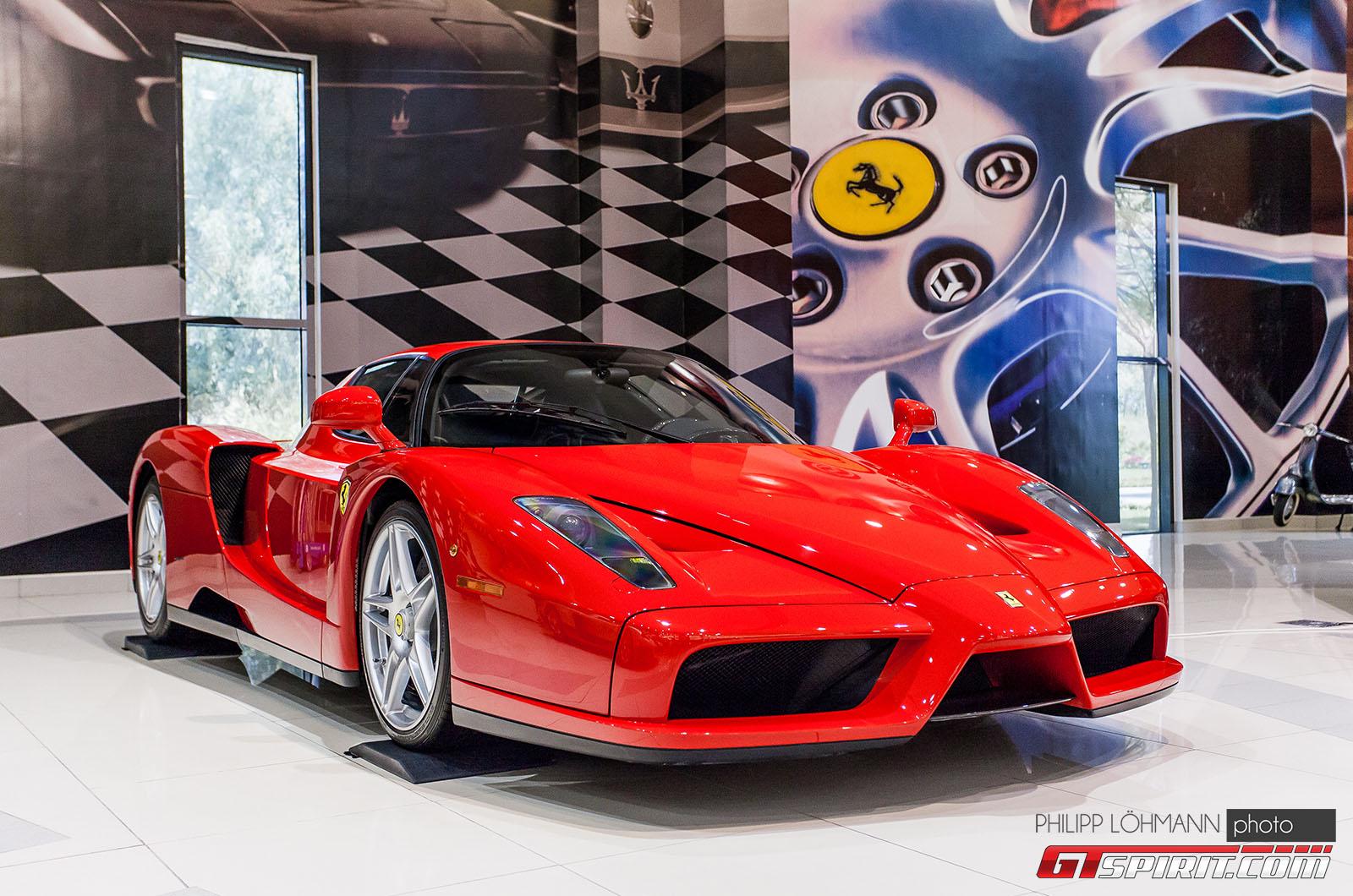 Гараж мечты в Абу-Даби. Ferrari Enzo