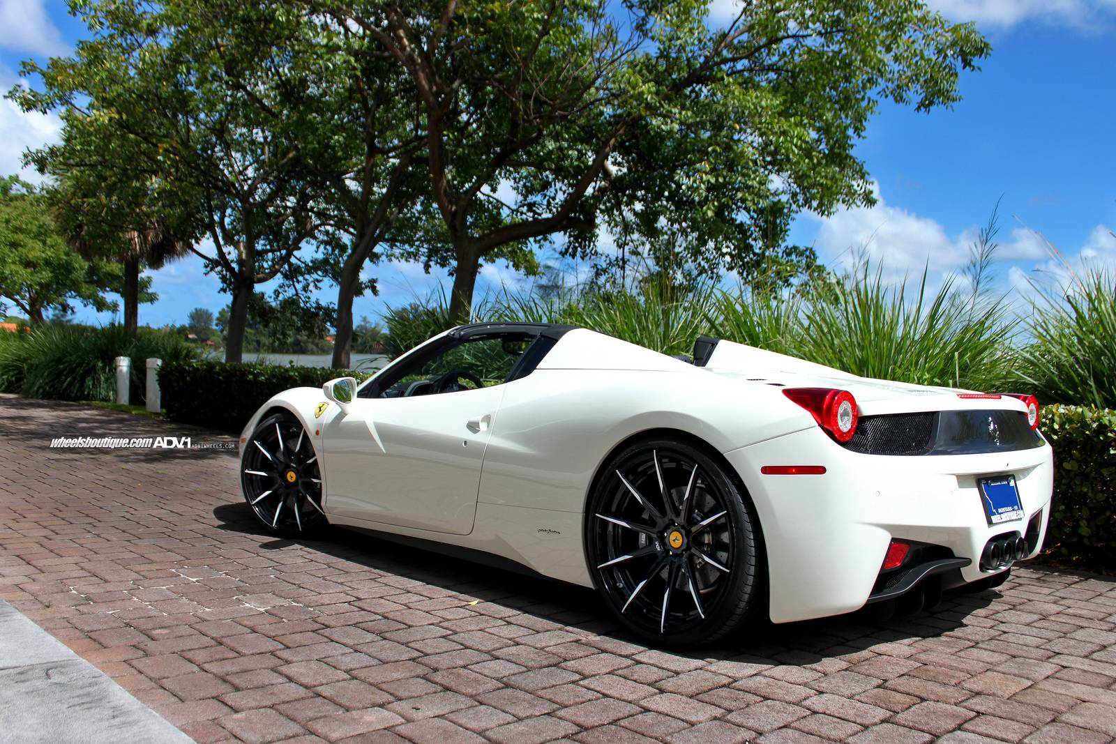 White Ferrari 458 Italia Justin Bieber White ferrari 458 spider onWhite Ferrari 458 Italia Justin Bieber