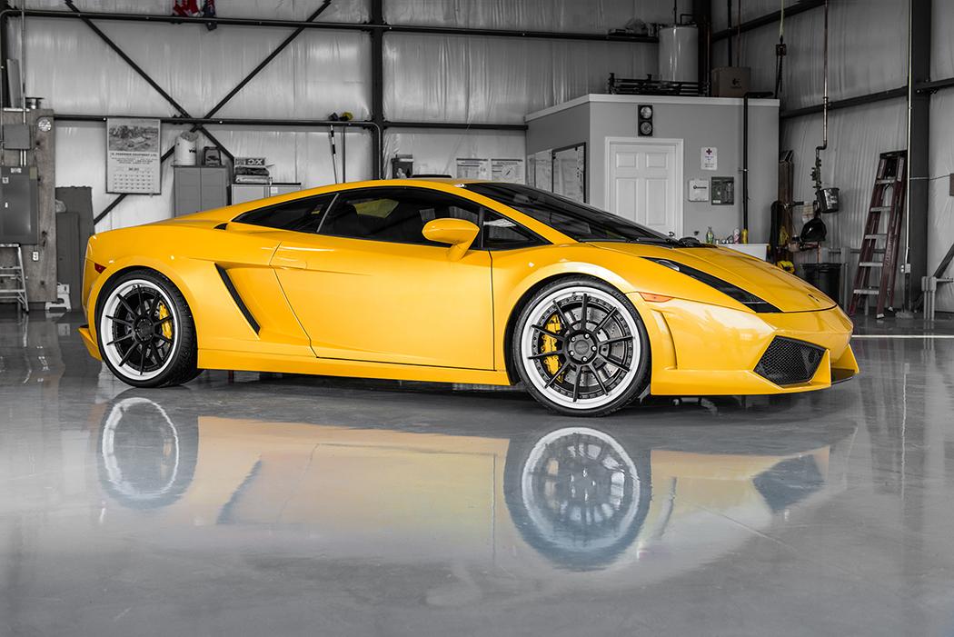 Желтый Lamborghini Gallardo