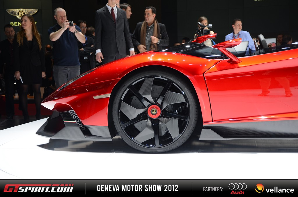 Geneva 2012 Lamborghini Aventador J 004