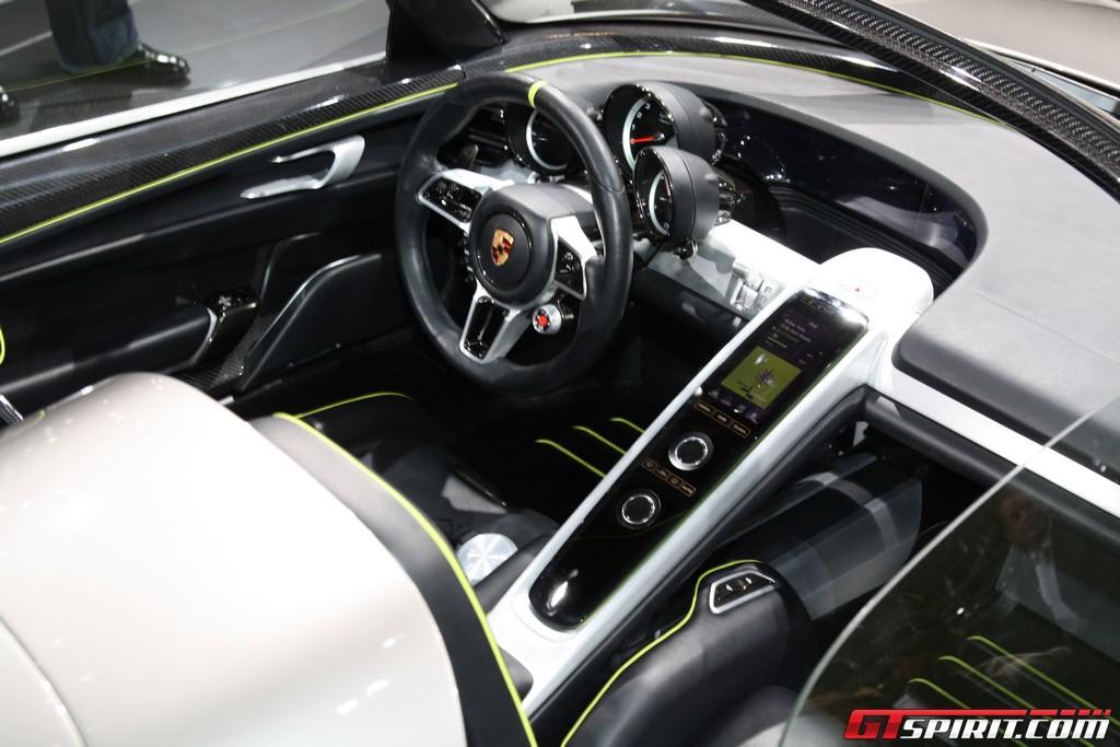 new porsche supercar to fill gap between 911 and 918 spyder. Black Bedroom Furniture Sets. Home Design Ideas
