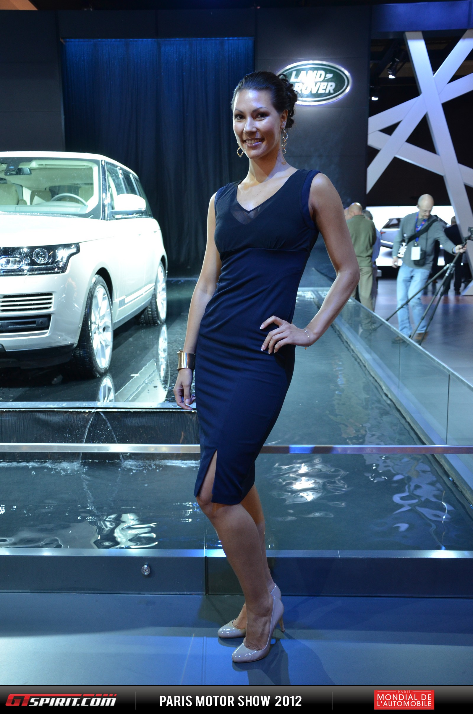 Girls at the Paris Motor Show 2012 Part 1 Photo 1
