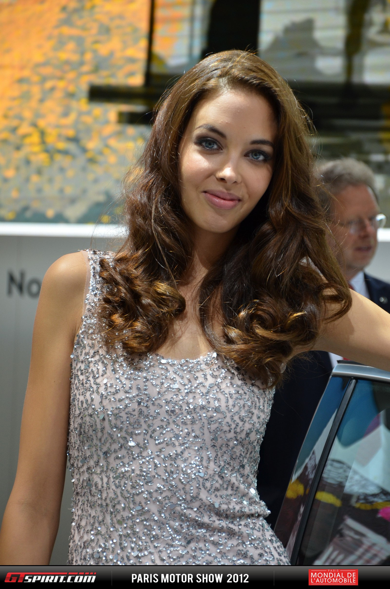 Girls at the Paris Motor Show 2012 Part 1 Photo 6