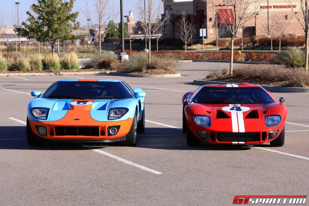 Gulf Ford GT vs Ford GT40