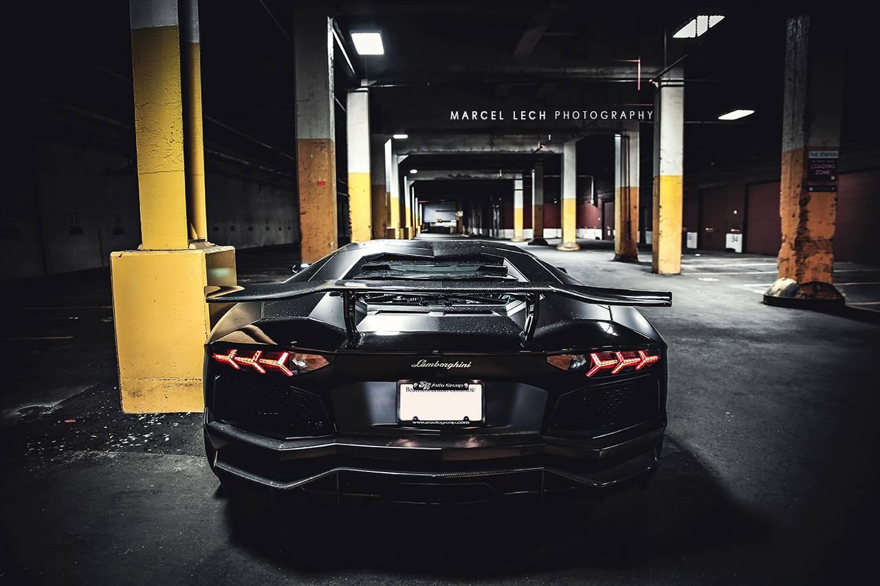 Матовый черный Aventador