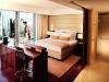 jumeirah-frankfurt-skyline-deluxe-room