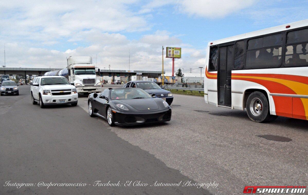 Фото   Чёрная Ferrari F430 Spider
