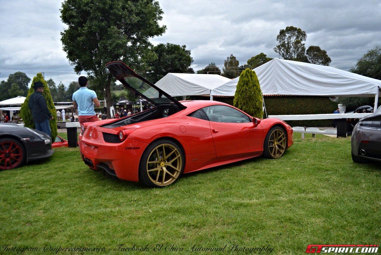 Фото   Ferrari 458 на слете владельцев