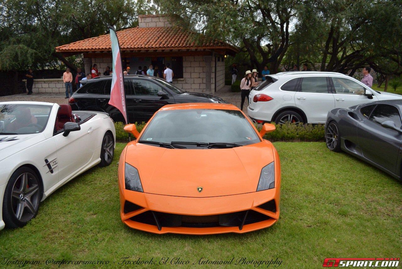 Фото   Оранжевая Lamborghini Gallardo
