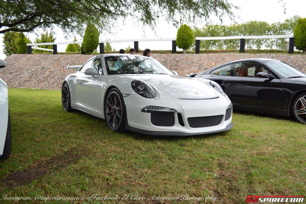 Фото   Porsche 911 в Мексике